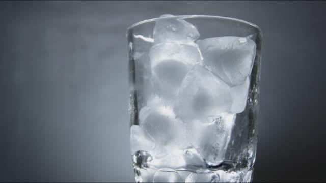 ice cubes, melting