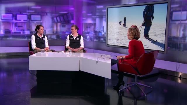 stockvideo's en b-roll-footage met ice maidens discuss their recordbreaking antarctic journey england london gir int major nics wetherill and lance sergeant sophie montagne studio... - recordbrekend