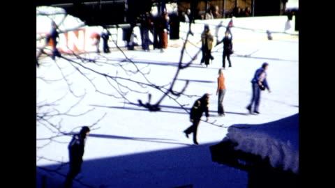 vidéos et rushes de ice skating in kitzbuhel 1977 - autriche