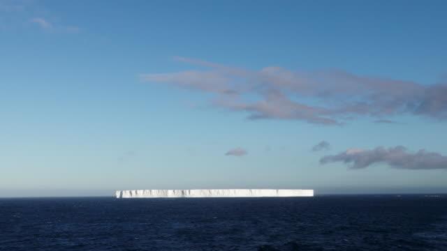 iceberg - horizont stock-videos und b-roll-filmmaterial