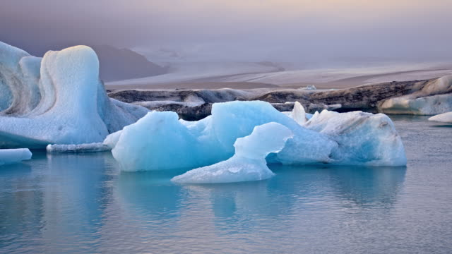 ds icebergs in jokulsarlon lagoon - lagoon stock videos & royalty-free footage