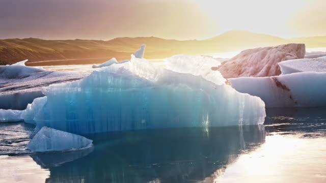 ヨークルサルロンに icebergs - 氷山点の映像素材/bロール