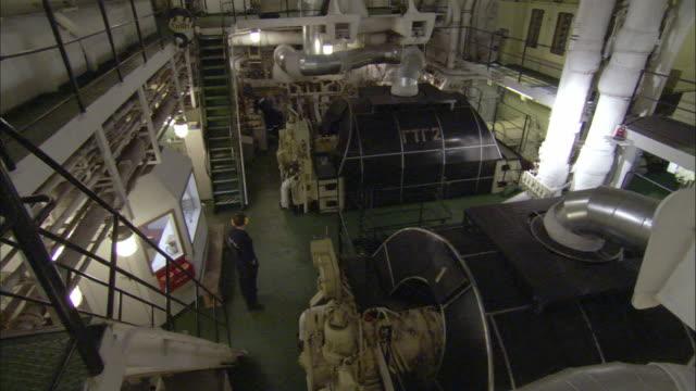 stockvideo's en b-roll-footage met ws, ha, icebreaker turbine room, russia - machinekamer