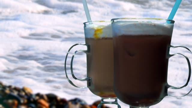 stockvideo's en b-roll-footage met ijskoffie dranken - koffie drank