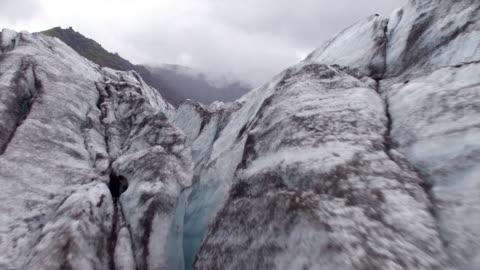 vídeos de stock e filmes b-roll de iceland icebergs from air - islândia