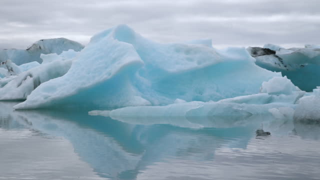 iceland jokulsarlon lagoon - ice floe stock videos & royalty-free footage