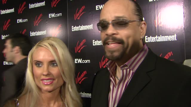 ice-t and coco on 'law and order' and his success on the show, their upcoming book on relationships, their relationship, meeting for the first time,... - エンターテインメント・ウィークリー点の映像素材/bロール