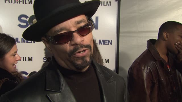 ice-t and coco on what brings them out tonight, what they expect from sam and bernie's collaboration and the role the apollo theater has played... - バーニー マック点の映像素材/bロール