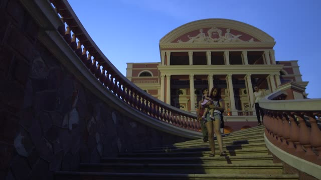 vídeos de stock e filmes b-roll de iconic manaus architecture shot on 10th of december 2013 in brazil manaus is the capital city of the northern state of amazonas in brazil it is... - amazonas state brazil