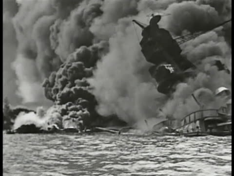 iconic smoke billowing around sunk burning uss arizona battleship december 7 ms 'commander in chief us pacific fleetflag lieutenant' sign fleet... - 真珠湾攻撃点の映像素材/bロール