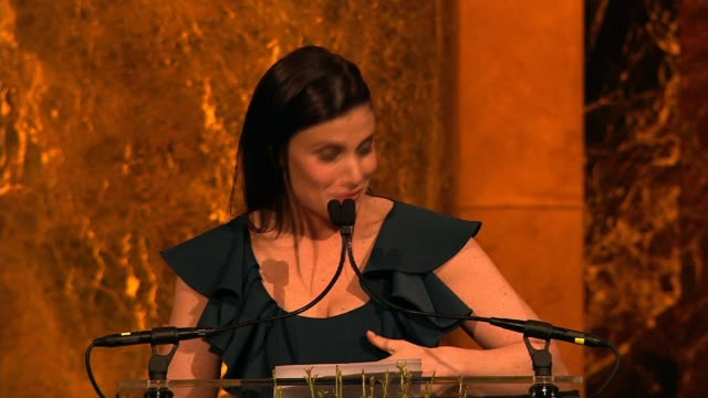 vídeos de stock, filmes e b-roll de speech idina menzel talks about inspiring young women to find their voice as she is presented with award for her work with a broader way variety's... - variety