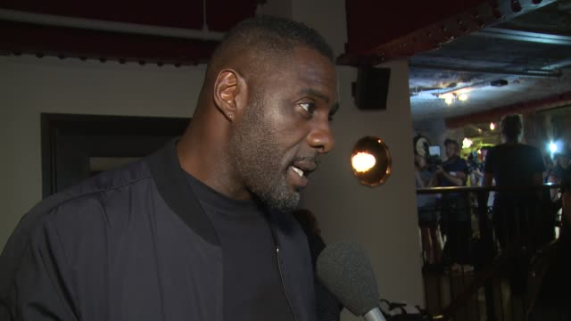 stockvideo's en b-roll-footage met idris elba on film autheticity becoming a director sundance and current events in london at picturehouse central on june 01 2018 in london england - sundance film festival