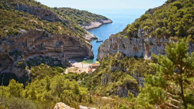 DS Idyllic Dalmatian beach Stiniva cove