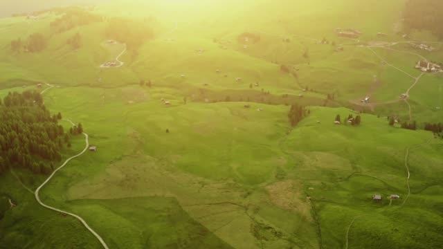 idyllic mountain landscape. drone point of view - pianura video stock e b–roll