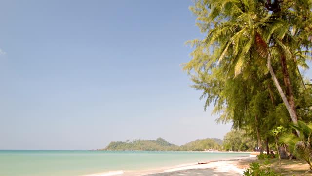 idyllic vacation beach - desert island stock videos & royalty-free footage
