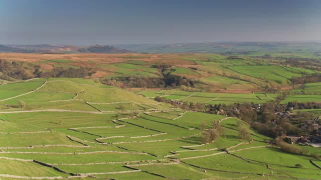 Idyllische Yorkshire landschap in de buurt van Malham - luchtfoto