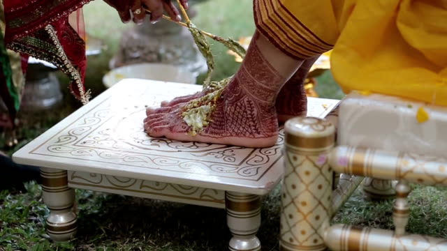 iindian hindu wedding rituals - married stock videos & royalty-free footage