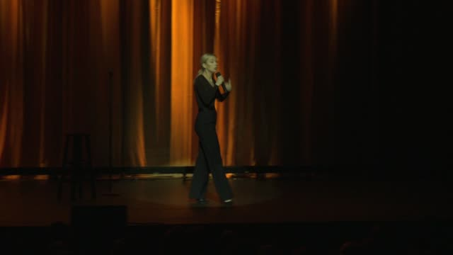 iliza shlesinger at international myeloma foundation's 11th annual comedy celebration benefiting the peter boyle research fund at the wilshire ebell... - wilshire ebell theatre stock videos & royalty-free footage
