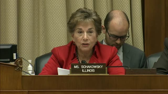 vídeos y material grabado en eventos de stock de illinois representative jan schakowsky begins her opening remarks at a hearing to inquire into online sports betting by asking what the future should... - apuestas deportivas