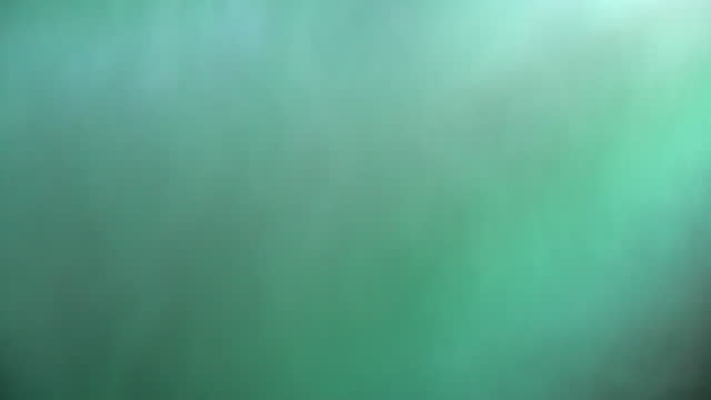 vidéos et rushes de illuminated green niagara falls at night - rivière niagara