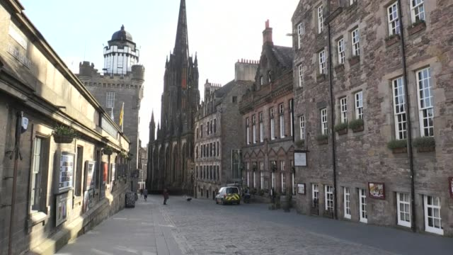 images of edinburgh as the scottish capital is on lockdown in a bid to halt the spread of the coronavirus - 18 19 years stock videos & royalty-free footage