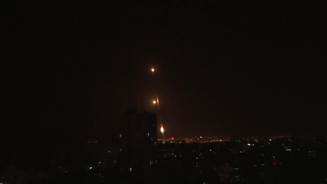 images showing rockets being fired at israeli towns by palestinian factions in gaza - gaza city stock videos & royalty-free footage