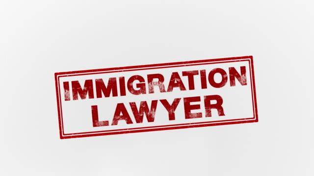 vidéos et rushes de avocat spécialisé en immigration - bol vide