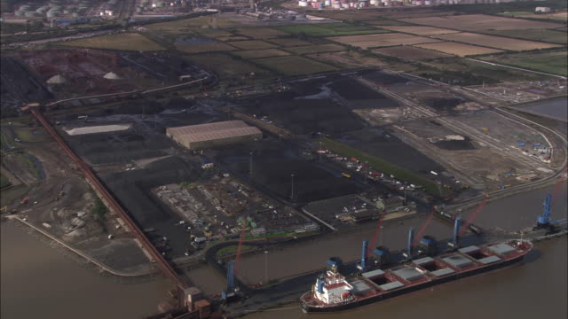 immingham oil refinery and tankers - conocophillips stock-videos und b-roll-filmmaterial