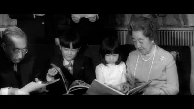 imperial family in fukiage palace/emperor and empress prince ayanomiya and princess norinomiya prince hironomiya prince hitachinomiya and his wife... - japanese royalty stock videos and b-roll footage