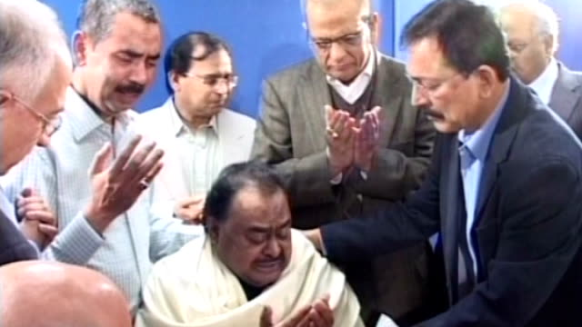 imran khan says britain must share blame for murder of politician; lib edgware: int altaf hussain mourning following the murder of exiled pakistani... - 追放点の映像素材/bロール