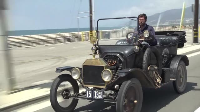 in 1915 edsel ford son of the ford motor company founder henry crossed america in a model t 100 years later enthusiasts from the historic vehicle... - henry ford founder of ford motor company stock videos & royalty-free footage