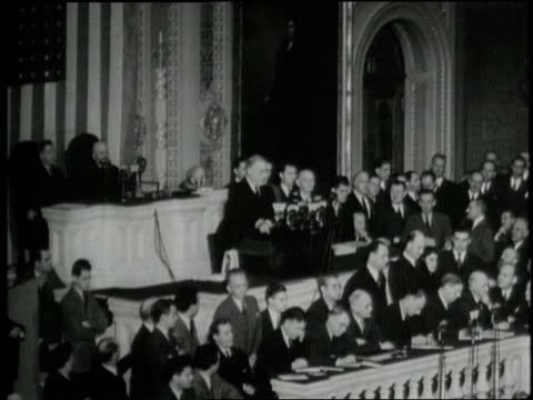 vídeos y material grabado en eventos de stock de in 1941 us president franklin d roosevelt gives his famous day of infamy speech before congress - franklin roosevelt