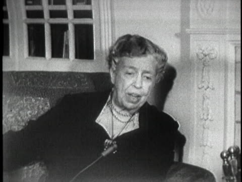 in a 1956 interview, former first lady eleanor roosevelt says that women considering political office must decide based on their personal situations. - ジェンダー・ステレオタイプ点の映像素材/bロール