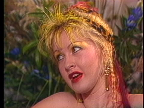 "vídeos y material grabado en eventos de stock de in a 1986 interview, cyndi lauper says: ""you know, i'm doing something i really love. i fought so hard to have control and every time somebody says... - music or celebrities or fashion or film industry or film premiere or youth culture or novelty item or vacations"