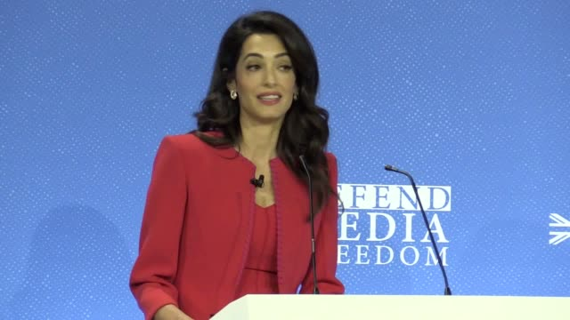 vidéos et rushes de in a speech to the global conference for media freedom in london amal clooney has accused donald trump of vilifying the media and making journalists... - press conference