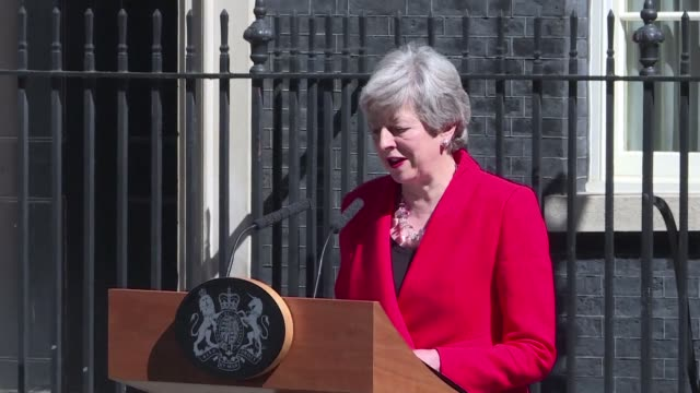 in an emotional speech outside 10 downing street theresa may announces that she will step down as british prime minister on 7 june 2019 - theresa may stock videos & royalty-free footage