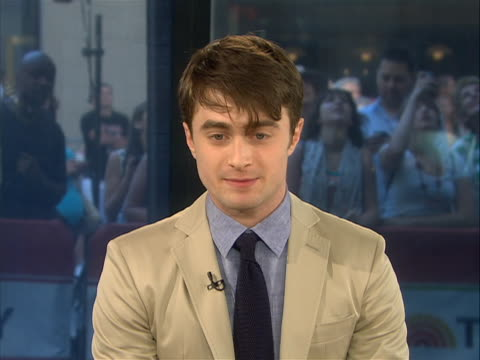 mcu – in an interview daniel radcliffe speaks about the end of the harry potter series and what it's meant to him he has grown up with the cast for... - zuletzt stock-videos und b-roll-filmmaterial