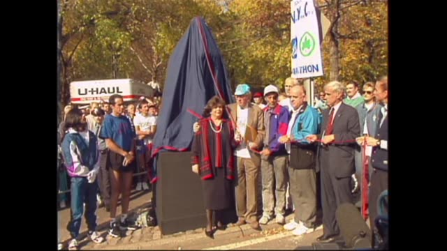 in central park mayor rudy giuliani delivers eulogy for fred lebow as lebow statue is unveiled grete waitz and alberto salazar present - eulogy stock videos & royalty-free footage