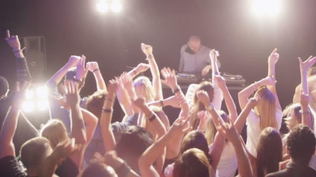 DJ in der Disco
