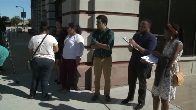 vídeos de stock e filmes b-roll de ktvi in downtown st louis on september 21 college students protested the cost of getting a college education and immigrant students say they were... - universidade comunitária