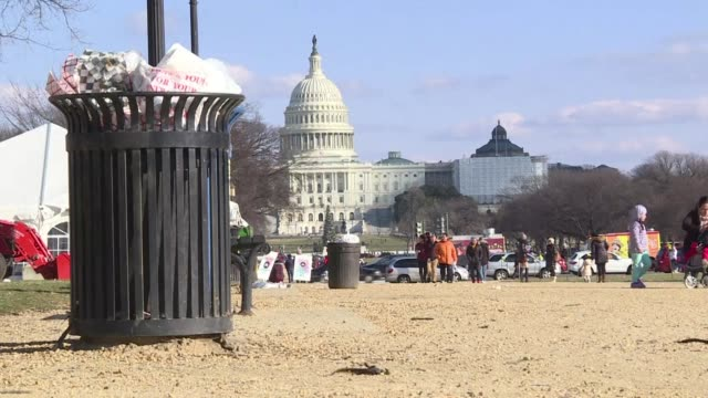 in front of the white house the national christmas tree has gone dark and garbage cans have been left to overflow as washington enters the third day... - government shutdown stock videos & royalty-free footage