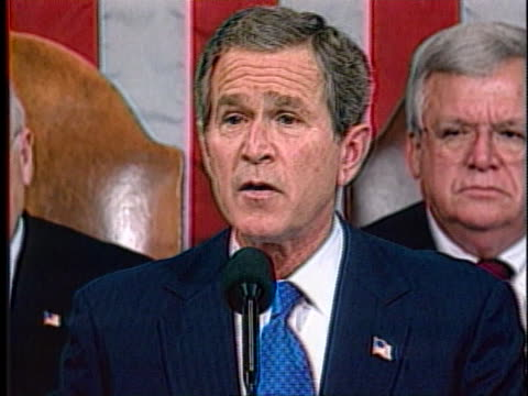 in his state of the union address, president george w. bush declares saddam hussein sought uranium from africa. - ニジェール点の映像素材/bロール