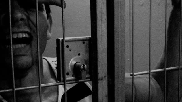 stockvideo's en b-roll-footage met in jail - sentencing