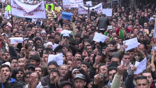 vídeos de stock, filmes e b-roll de in jordan around 2500 protesters took to the streets of the capital amman amid tightened security to protest a cartoon of the prophet mohammed... - sátira