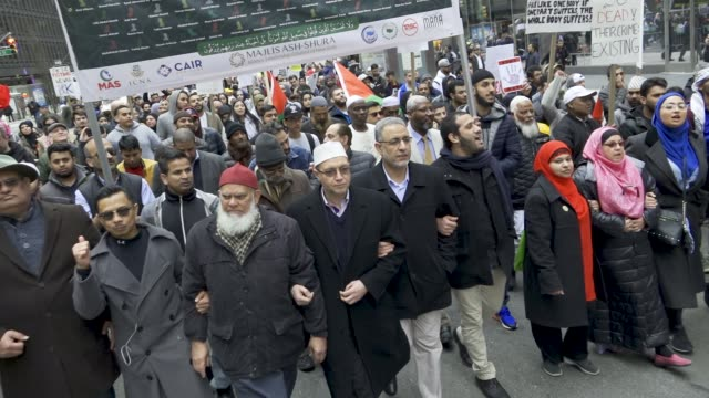 in light of the recent mass gun shooting terrorist attack at the christchurch in new zealand, muslims, christians and jews gathered in midtown... - new zealand stock-videos und b-roll-filmmaterial