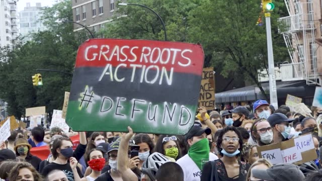 vídeos y material grabado en eventos de stock de in light of the worldwide protests sparked by the death of george floyd, university age cuny students and teachers demand the defunding of the nypd... - new age