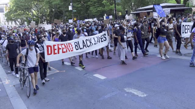 in light of the worldwide protests sparked by the death of george floyd, organizers and supporters of voices of community activists & leaders rally... - 六月点の映像素材/bロール