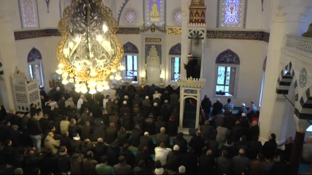 In mosques across Germany friday prayers were dedicated to the victims of the Paris terror attacks on 9 January 2015