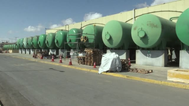 in northern chile many residents of the region of antofagasta don't have access to running water or suffer from cuts depending on tankers to... - antofagasta region stock videos and b-roll footage