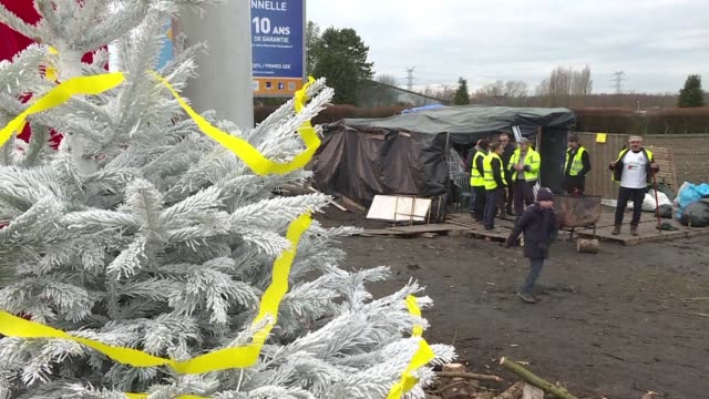 In Somain Northern France the gilets jaunes are preparing for a Christmas imbued with the spirit of solidarity